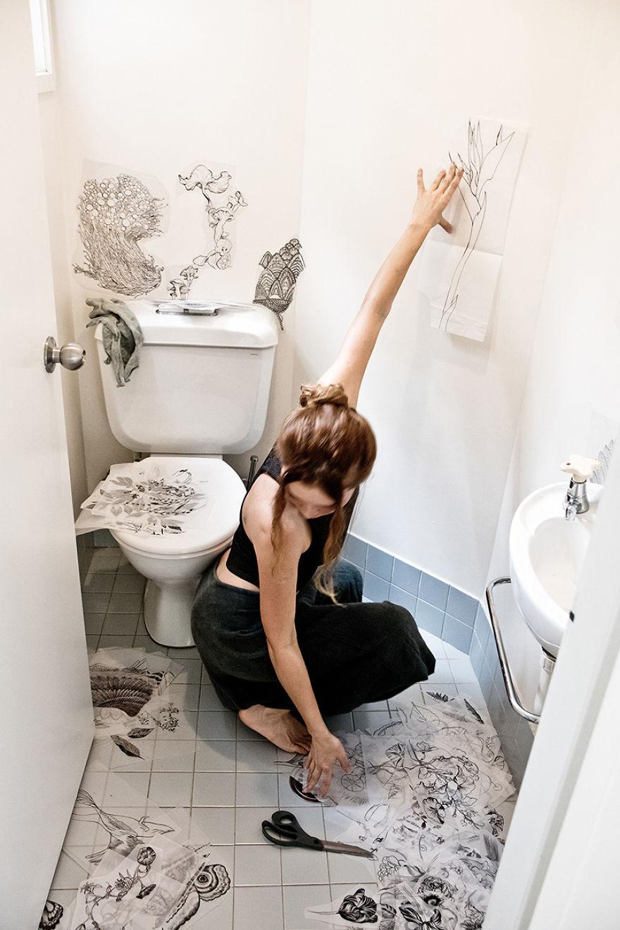 elle-transforme-ces-toilettes-en-un-endroit-magique-1