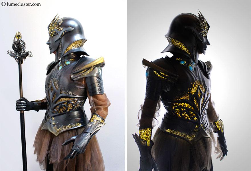 Armure Futuriste elle passe 518 heures à fabriquer cette armure médiévale futuriste