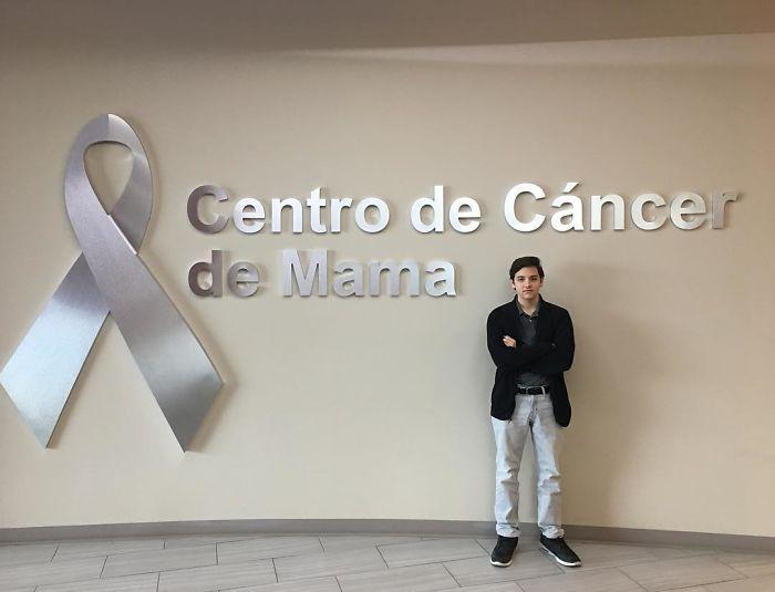Quand la mère de cet adolescent a presque péri du cancer, il a inventé un soutien-gorge de détection du cancer du sein