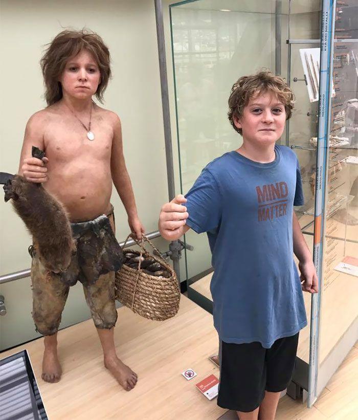Plus de 20 fois ou les gens ont accidentellement trouvé leurs doubles dans les musées