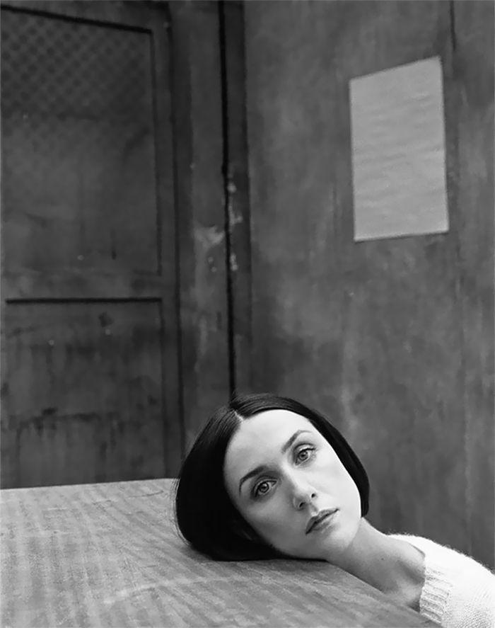 38 superbes portraits de célébrités en noir et blanc par Katy Barry révèlent le côté intime des femmes célèbres