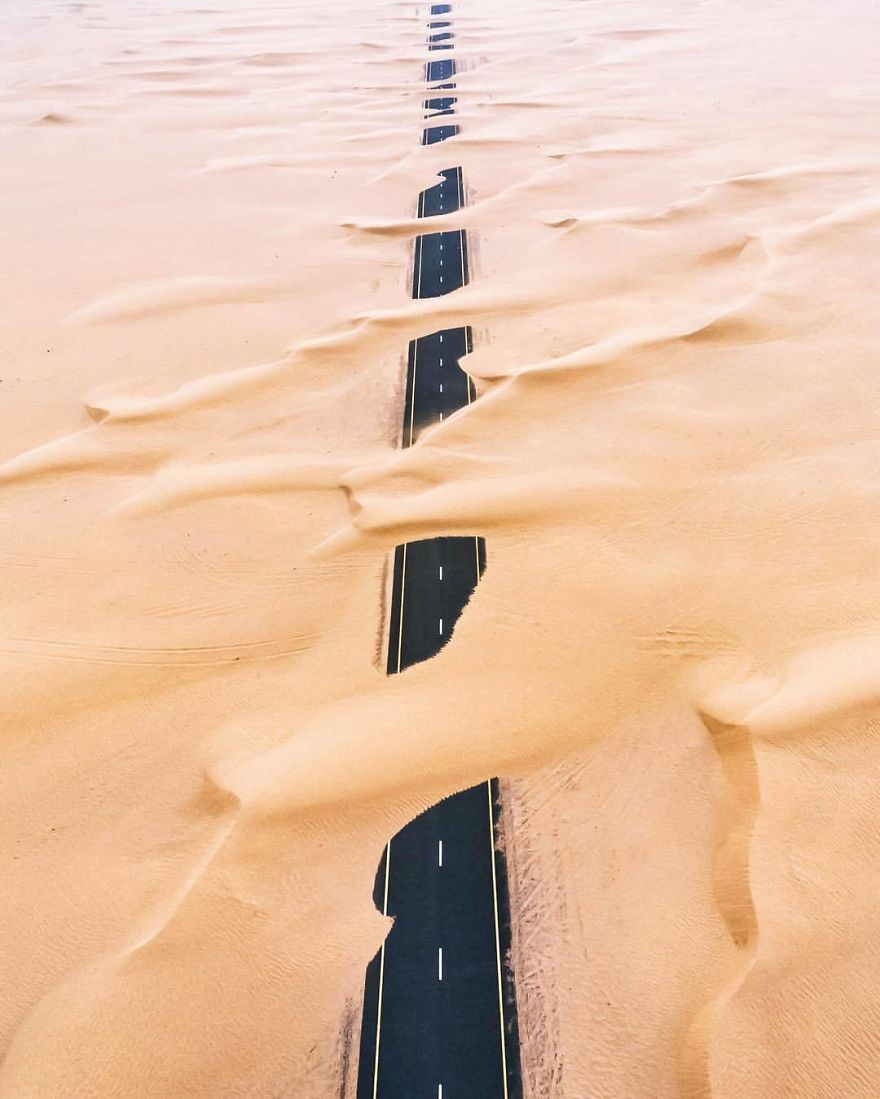 Le désert s'empare de Dubaï et d'Abu Dhabi, les photos sont époustouflantes.