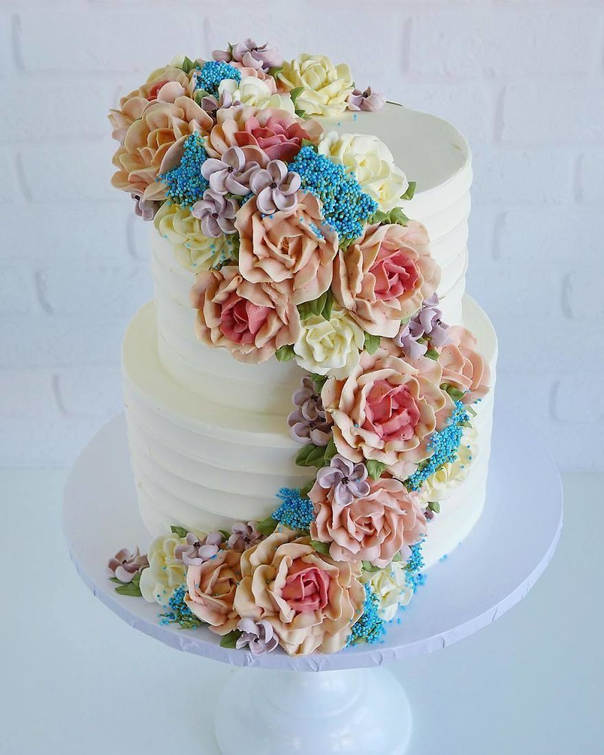 De superbes gâteaux que vous préféreriez mettre sur votre rebord de fenêtre plutôt que dans le réfrigérateur.