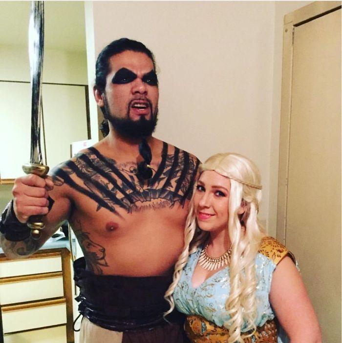Plus de 48 couples qui ont porté les costumes d'Halloween à un autre niveau