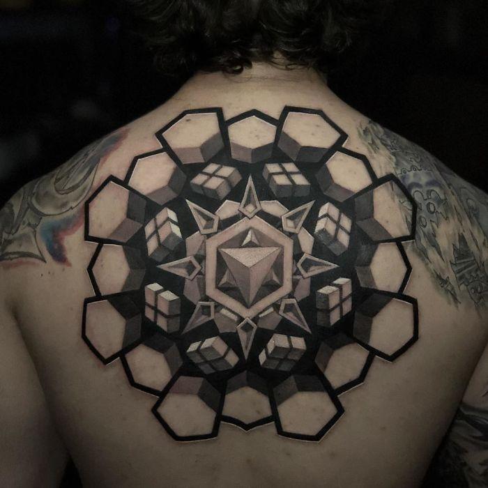 Un artiste crée des tatouages 3D étonnants qui vous feront regarder deux fois