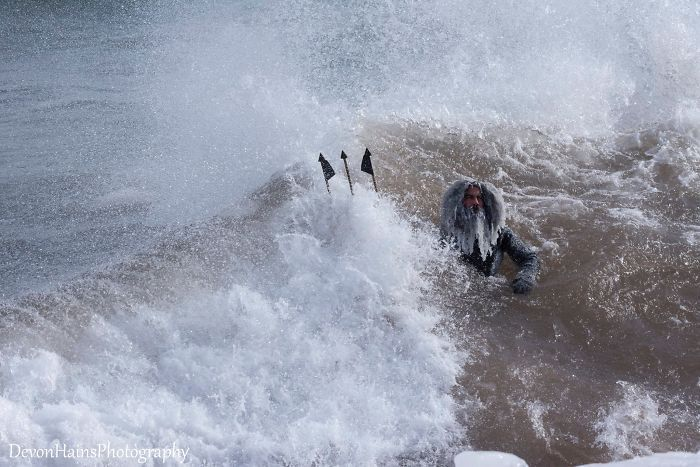 18 Photos That Show What Happens When You Go Surfing During A Polar Vortex