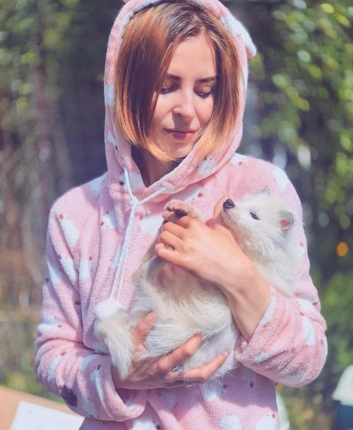Famous Russian Photographer Ends Her Career To Live In A Forest With 100 Sick Dogs