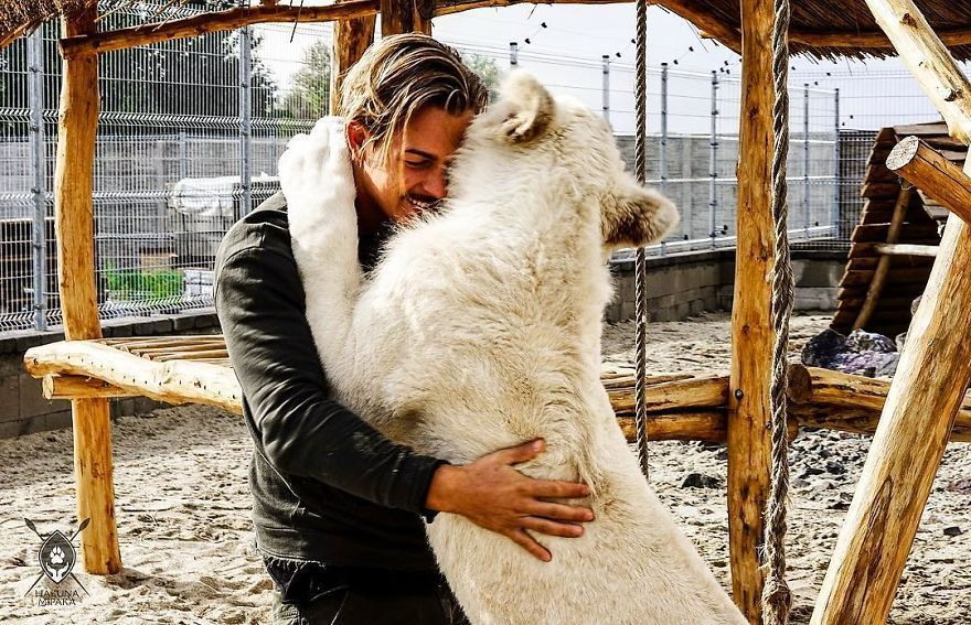 This Guy From Switzerland Left A Prestigious Job, Sold All His Things And Moved To Africa To Rescue Mutilated Animals
