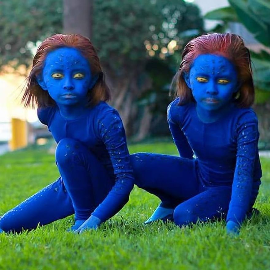 11-Year-Old Twins Chieko And Chihiro Impress With Their Cosplays And Here Are 19 Pics Of It