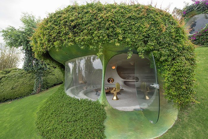 This Organic Hobbit House Is Perfectly Integrated Into Its Surroundings And Is Almost Invisible To Passers-By
