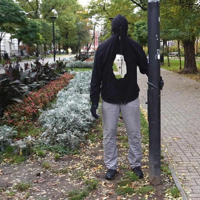 Artist Places Realistic Mannequins Around Cities To Troll People (58 Pics)