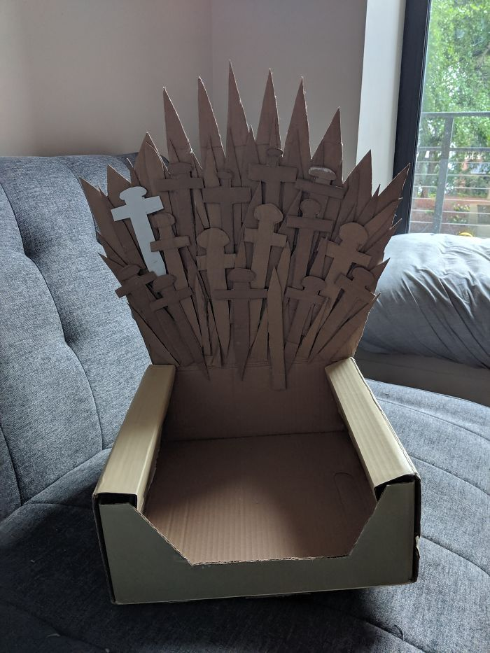 Arthur The Cat Just Got His Own Iron Throne And It's A Better Ending Than The Season 8 Finale