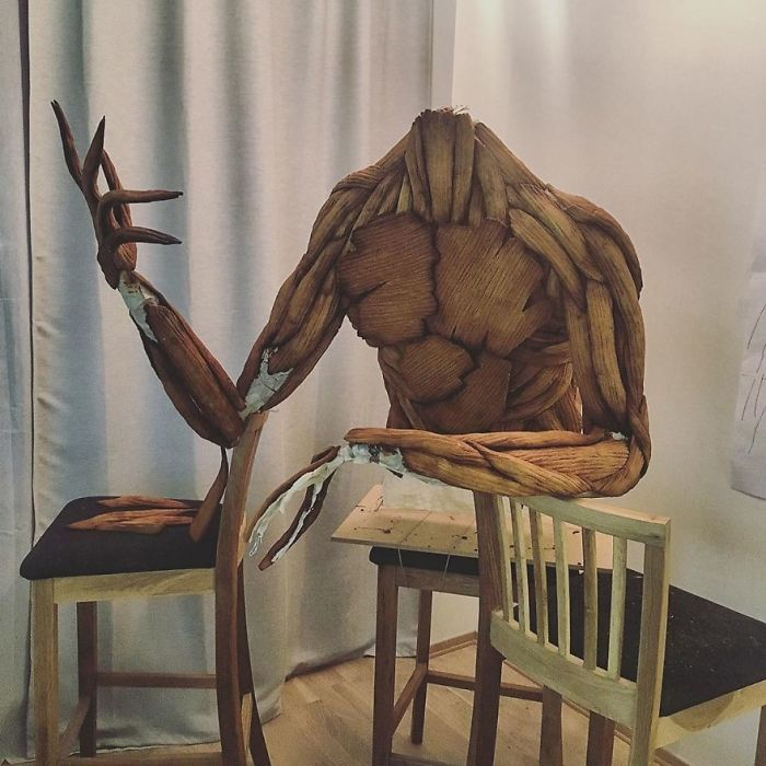 Woman Pushes The Limits And Creates Unbelievable Sculptures Out Of Gingerbread