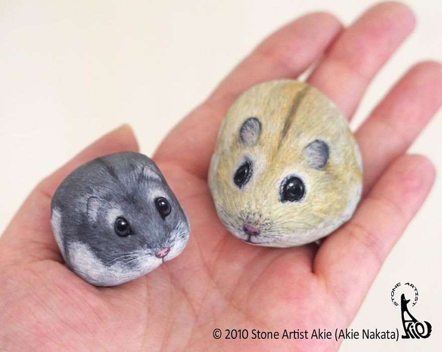 Japanese Artist Brings Stones To Life By Turning Them Into Animals That Fit In The Palm Of Your Hand (92 New Pics)